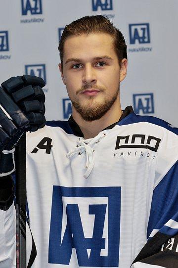 Jakub Illéš #21
