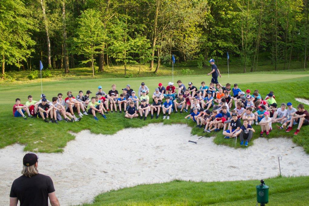 Zábavné teambuildingové odpoledne hokejistů HC RT TORAX v Golf parku Lhotka