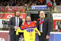 70. narozeniny oslavil minulý týden bývalý hráč Motoru Luděk Papoušek. Na českobudějovický zimní stadion zavítal poprvé od roku 1972, kdy nastoupil za místní klub naposledy.