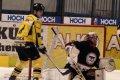 Ondřej Mikeska se nám přesunul na opačnou stranu, Žurek už zase se zájmem sleduje hru zvanou hokej.