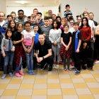 Hráči rozdávali dárky v Dětském domově Krupka