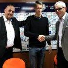 Jan Plachý podepsal profesionální smlouvu