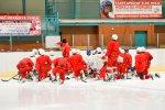 FOTO: Ani dorostenci nenechávají nic náhodě a také se plně věnují tréninkům na ledě