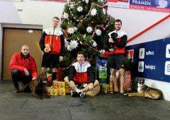 Olomoučtí hokejisté a vedení klubu podpořili projekt Šťastné a chlupaté