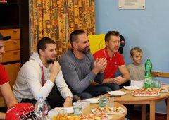 FOTO: Kohouti podruhé navštívili mateřskou školku Michalské Stromořadí