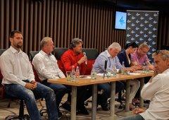 FOTO: HC Olomouc uspořádal neformální setkání sponzorů s vedením klubu a hráči