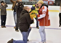 Jsme rádi, že jsme mohli společně s Olomouc CITY zásnuby na ledě uskutečnit, řekl Cartelli