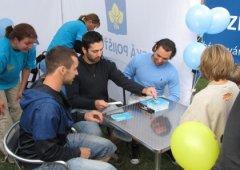 FOTO: Hokejisté Mory rozdávali podpisy a dekorovali mladé běžce RunTour