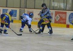 Ostrý rozjezd do nové sezóny èeká také naše mladé hokejisty