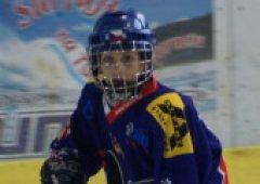 Chtìl bych si jednou zahrát v NHL, øíká kapitán ètvrtých tøíd, Vojta Pernický