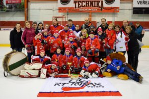 VIDEO: Bronz p��pravek z Hokejov�ho turnaje d�t�