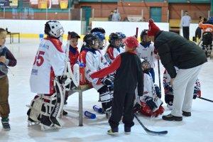 Skvěle! Soutěžně nejmladší hokejisté Poruby přivezli z Orlové pohár za druhé místo