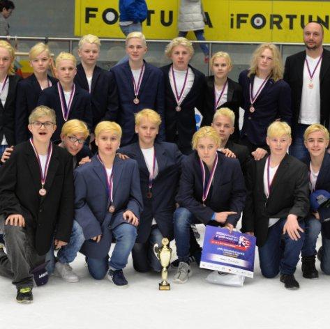 Po dvanácti letech dosáhl Přerov na medaili, Zubři brali v Hradci také individuální ceny