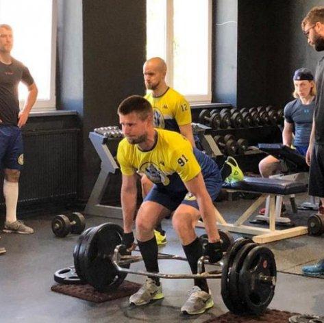Paže tuž, tělu služ! Zubři a Andrle Sport přinášejí (nejen) hráčům návod na trénink