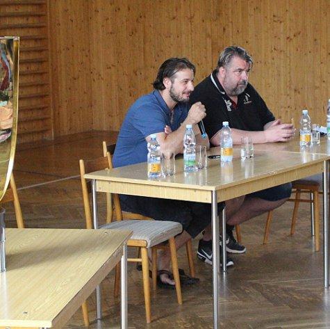 Po roce znovu: Martin Zaťovič navštívil ZŠ Želatovská i s Masarykovým pohárem
