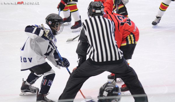 Také žákovské týmy už trénují na ledě a sehrály i přípravná utkání