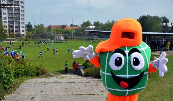 Povedený fotbalový den, Globus Cup kořistí Kopřivnice