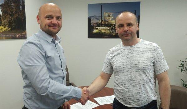 Zlatý partner firma Poda a. s. podepsala s AZ novou smlouvu