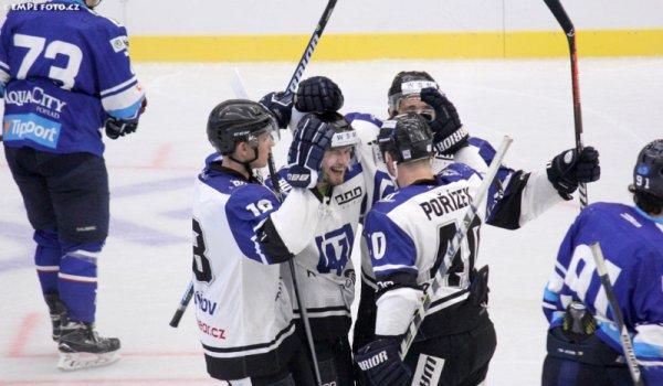 AZ vyhrál i na ledě Popradu, Kamzíky porazil 1:3