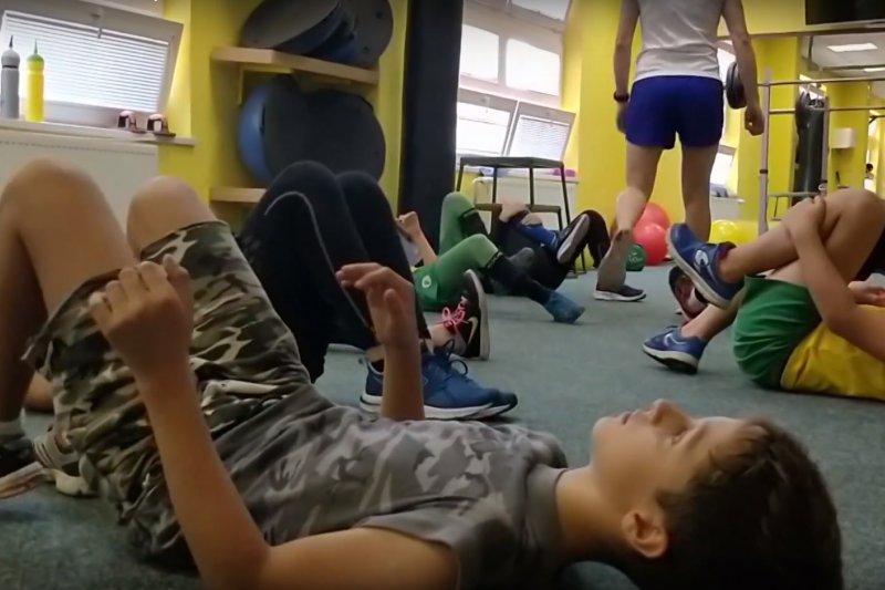 VIDEO: Vsetínští mládežníci si osvojují kompenzační cvičení