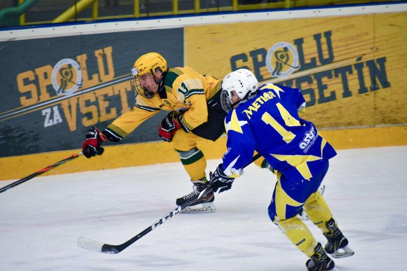 Dorostence čeká souboj o první místo, vše ale odstartuje juniorská dohrávka v Litomyšli