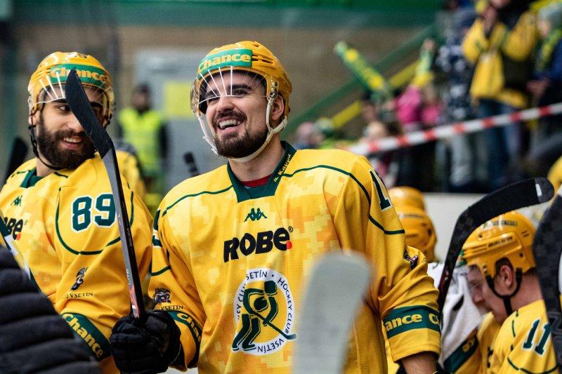 Po třetím gólu musely ze zimáku spadnout všechny rampouchy, směje se Tomáš Vávra