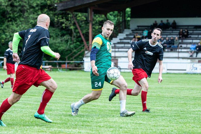 Hokejisté VHK si v Horní Lidči zahrají fotbal a nabídnou autogramiádu
