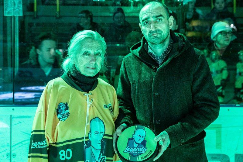 OBRAZEM: Valaši v duelu s Chomutovem uctili odkaz zakladatele klubu Josefa Ryžova