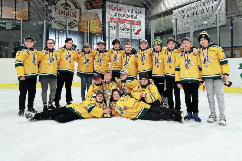 Mladší žáci si prodloužili sezonu turnajem v Jaroměři