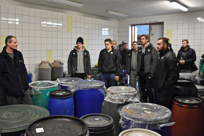 VIDEO: Hokejisté navštívili Veselý Grunt v Janové