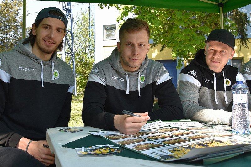 OBRAZEM: Vsetínští hokejisté zavítali na den otevřených dveří firmy TES