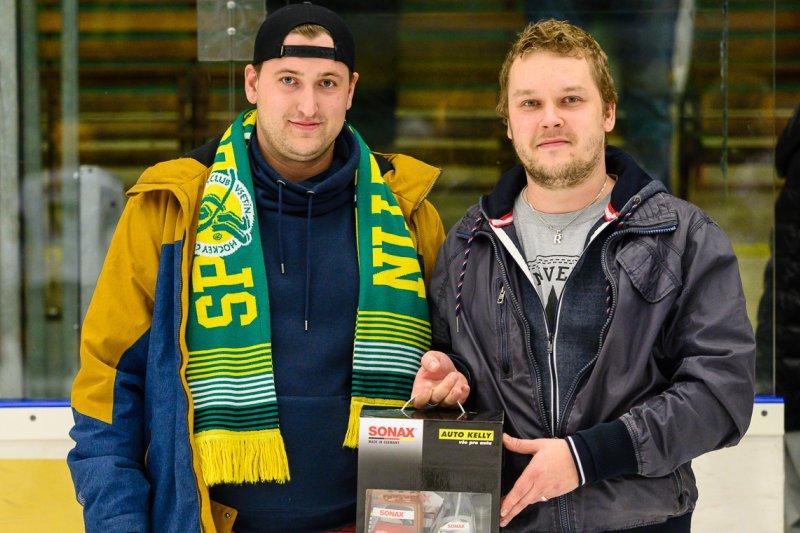 Klub děkuje vítězi hokejové tomboly