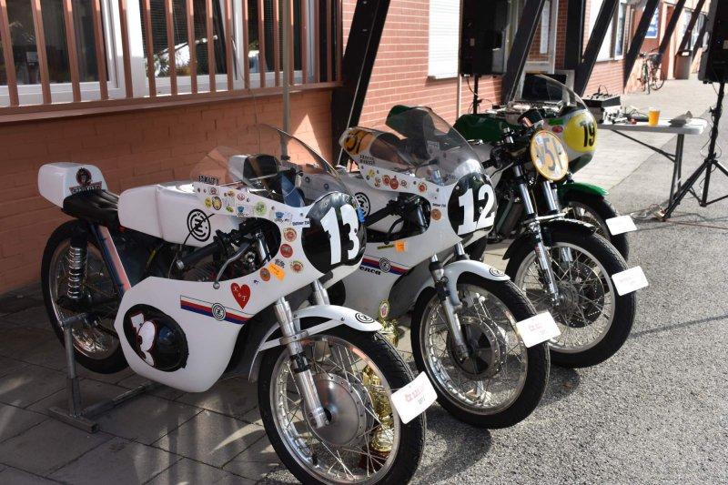 OBRAZEM: Výstava roadracingového týmu OKT