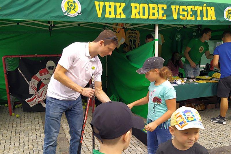 OBRAZEM: Hokejisté VHK zpestřili program Valašského záření