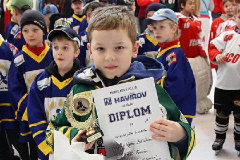Třeťáci se zúčastnili turnaje v Havířově, Matěj Zeťák se stal nejrychlejším bruslařem