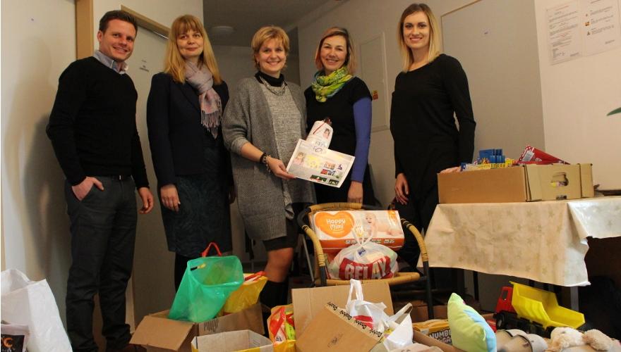 Zástupci Zubrů navštívili olomoucký Klokánek, přivezli dárky z charitativní sbírky