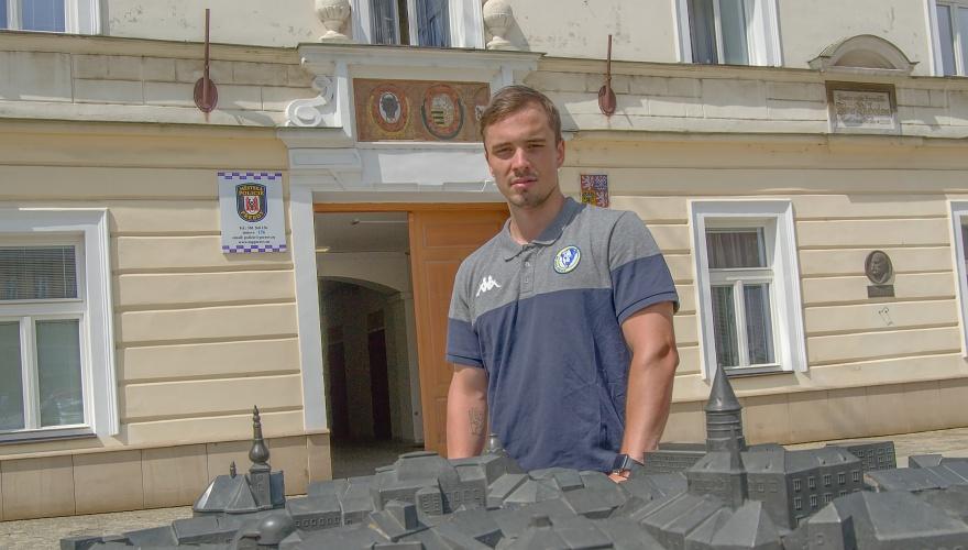 Příprava a zkouškové se dají skloubit, líčí Novák. Na Hlinkovi hrál proti švýcarské star
