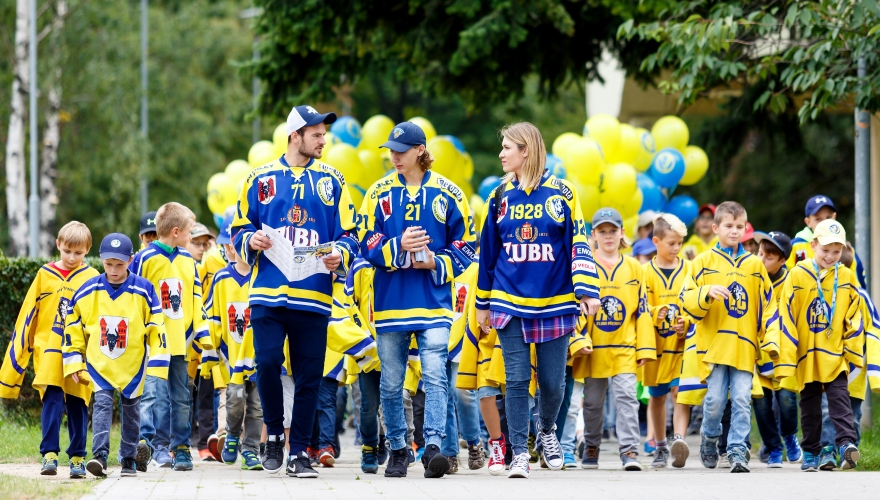 Čas Zubrů přichází! Hokejisté zahájili novou sezonu pochodem do srdce Přerova