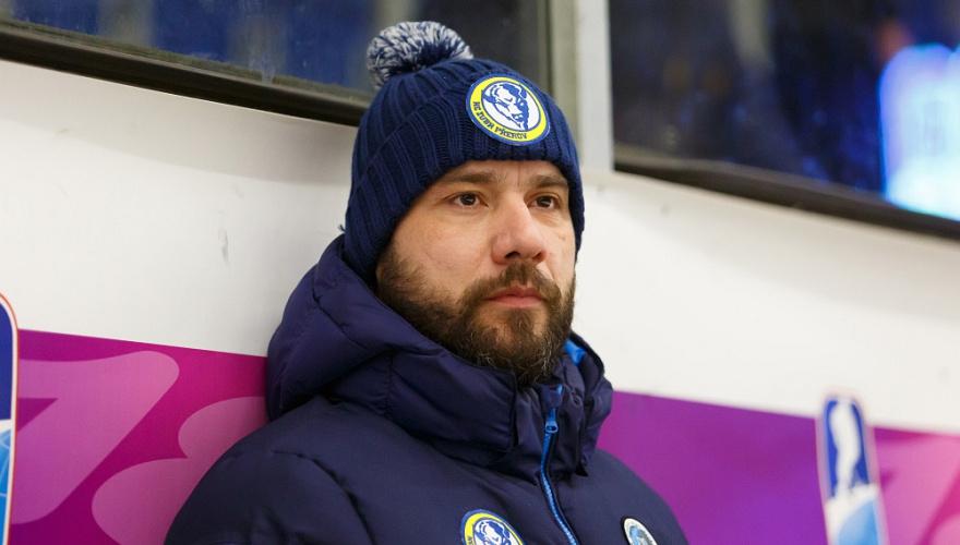 Chceme hrát s odchovanci a ukázat mladým hráčům cestu, podotkl trenér Kočara