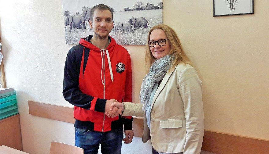 Podepsáno! Florbal Chomutov a ZŠ Březenecká prohlubují spolupráci