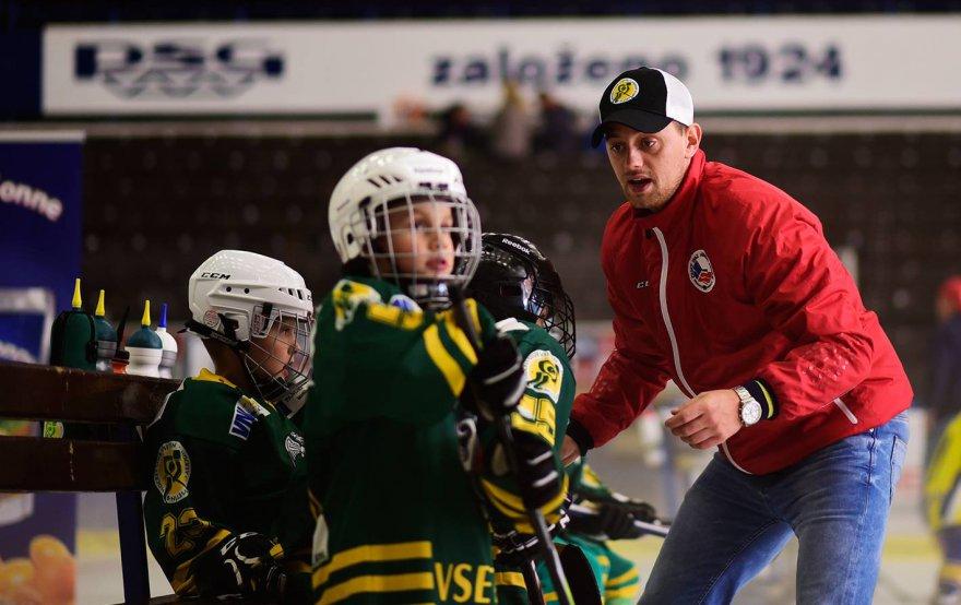 Snažíme se dětem nabídnout něco navíc, popisuje Lubomír Konečný práci s nejmladšími hokejisty