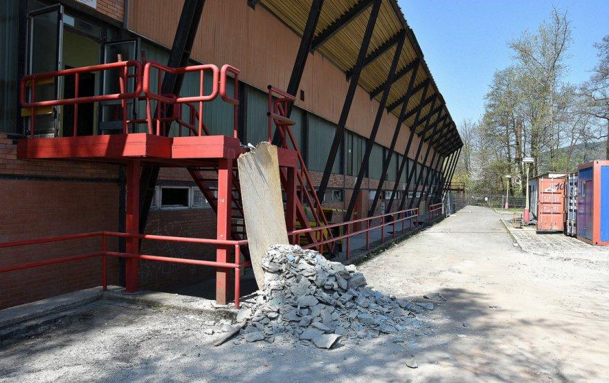 OBRAZEM: Odstartovala další etapa rekonstrukce stadionu