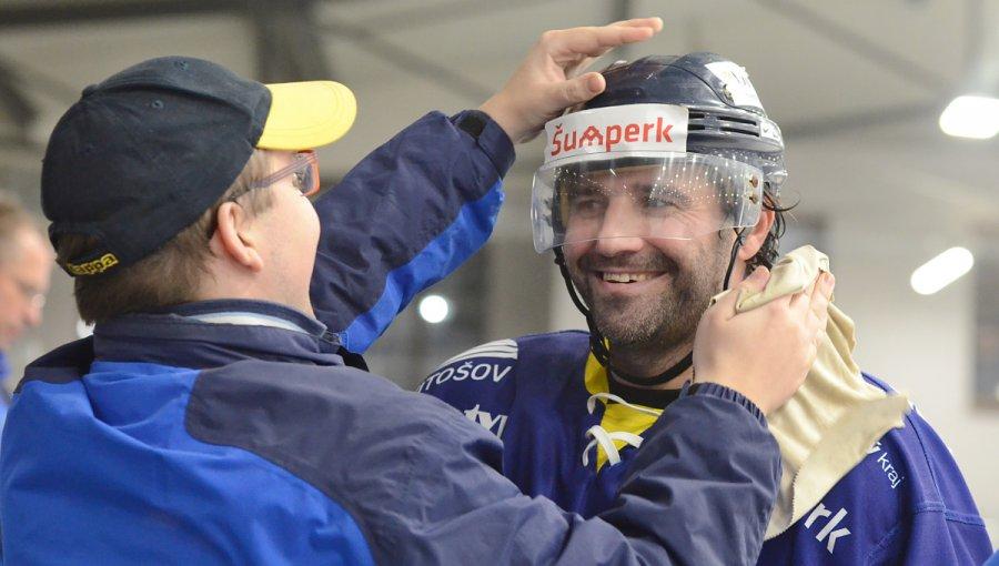Novosad slavil s týmem vítězství, Lakosil má další nulu