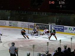 I přes hendikep jednoho hráče v poli se prosazuje Michal Vymazal.