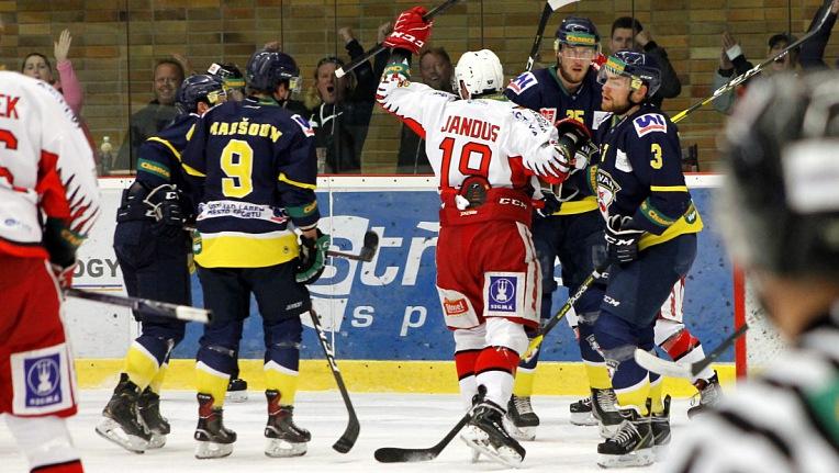PRO - UNL 6:1 - Třetí vítězství v řadě a první klidnější výhra nad Slovanem