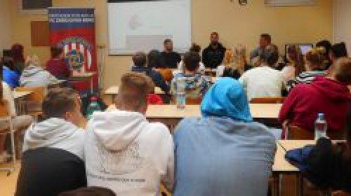 Zbrojováci besedovali se studenty Moravského gymnázia