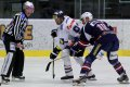 Tomáš Divíšek a Petr Nedvěd zkřížily hokejky na vhazování během utkání velmi často
