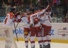 Je srovnáno! Kohouti rozstříleli Plzeň a vynutili si sedmý zápas
