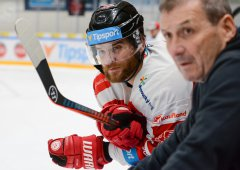Vydražte si podepsanou hokejku Jana Knotka a pomozte tak nemocným dětem