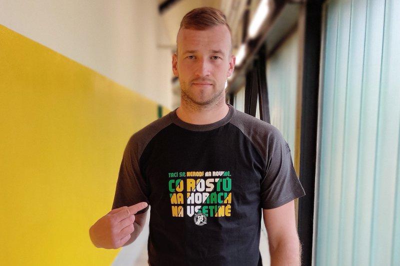 Fanshop je otevřený druhým týdnem, hitem se stala nová trička